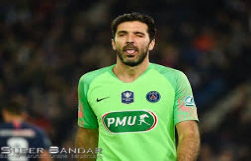 Gianluigi Buffon Ingin Bermain di Premier League